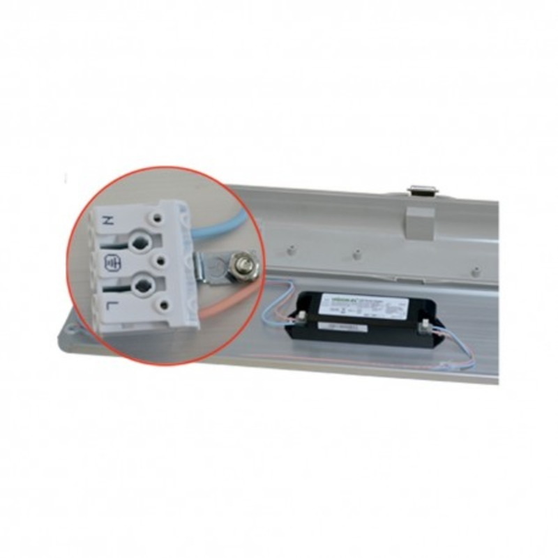 Boitier Etanche LED Intégré 4000°K 80W 1565 x 140 x 82 mm